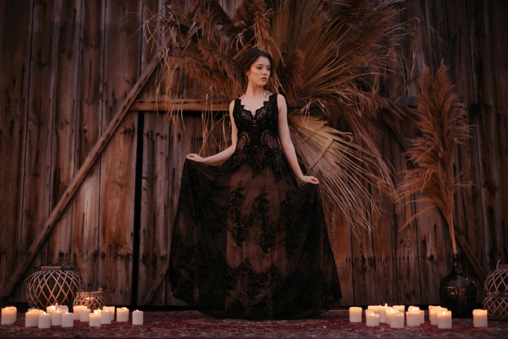 czarna suknia slubna